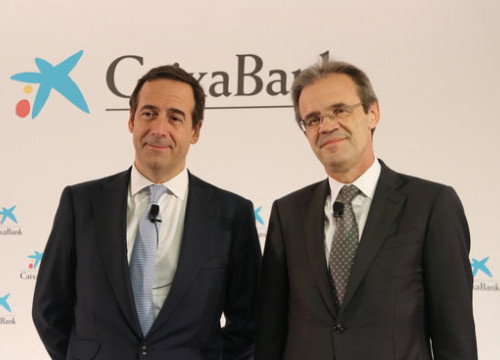 Caixabank president Jordi Gual (right) and CEO Gonzalo Gortázar (by Maria Fernández Noguera)