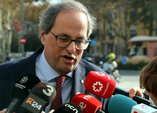 The Catalan president, Quim Torra, talking to the press on November 30 (by Àlex Recolons)