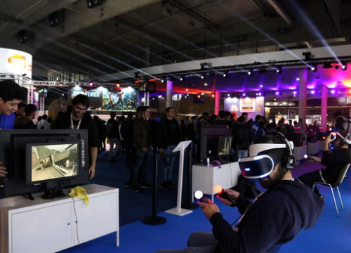 Image of the Barcelona Games World 2018 from a stand offering virtual reality experiences (by Mar Vila)
