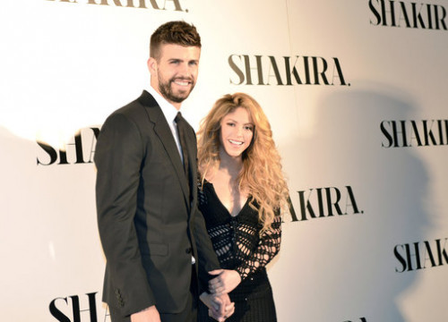 Colombian singer Shakira and Barcelona football player Gerard Piqué (by Sony Music)
