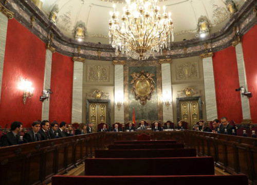 Image of the courtroom in the Supreme Court with the lawyers, prosecutors of judges of the Catalan trial on December 18, 2018 (by EFE)