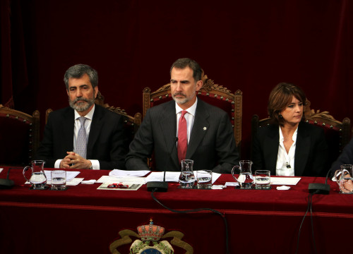 The King of Spain, Felipe (in the middle), in a judiciary event on January 8, 2019 (by Tània Tàpia)