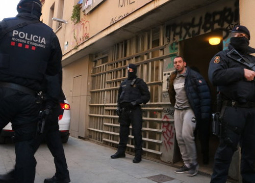 Man arrested in an anti-terrorism operation in Barcelona (by Miquel Codolar)