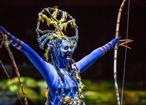 "Na'vi character from ""Toruk - The First Flight,"" by Cirque du Soleil (photo by Cirque du Soleil)"