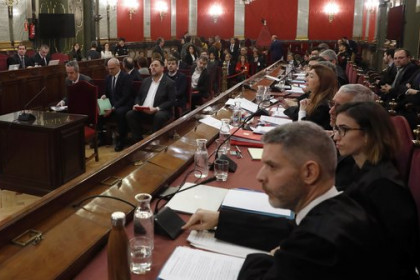 Defense lawyers (right) in Spain's Supreme Court (by EFE)