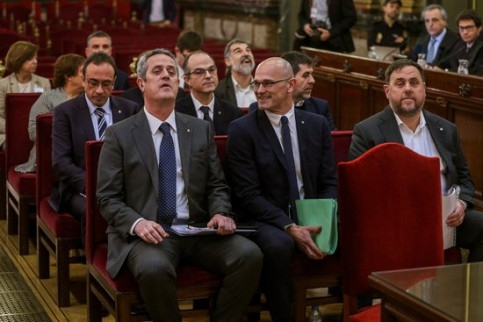 The 12 pro-independence leaders accused in the Catalan trial, nine of whom were sentenced to serve lengthy prison terms (by EFE)