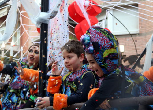 Children dressed up during Carnival in Reus (by ACN)