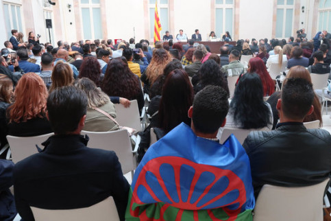 An event held in Catalonia's parliament to celebrate the International Romani Day on April 8, 2019 (by Parliament)