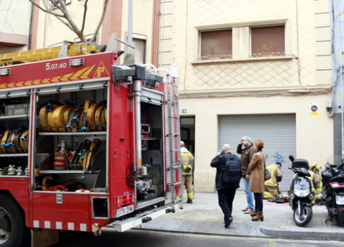 Fire fighters at the scene in l'Hospitalet de Llobregat (Photo: Laura Fíguls)