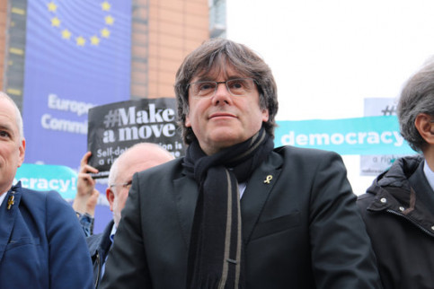 Carles Puigdemont at a demonstration at the European Commission. (Photo: Natàlia Segura)