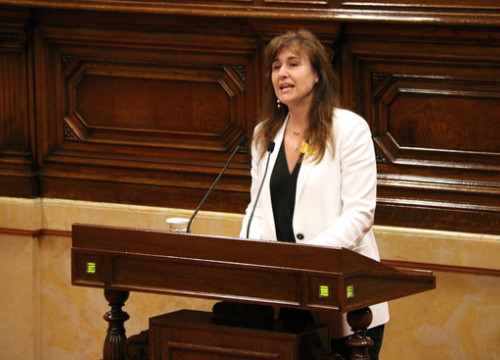 Laura Borràs speaking in the Catalan parliament in 2019 (by Bernat Vilaró)