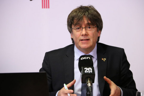 Carles Puigdemont delivers a press conference to the Catalan News Agency from Brussels via videoconference. (Photo: Blanca Blay)