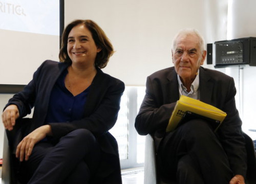 Current Barcelona mayor Ada Colau, left, and ERC leader mayorsihp leader Ernest Maragall, right, before a campaign debate. (Photo: Sílvia Jardí)