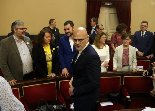 Jailed pro-independence leader Raül Romeva in the Spanish Senate (by Miquel Codolar)