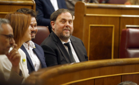 Oriol Junqueras attends the opening session of the Spanish congress following the April 28 election (by Javier Barbancho)