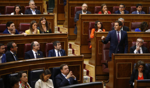 Ciutadans leader complains about the jailed leaders' oath as MPs to speaker on May 21, 2019 (by Javier Barbancho)