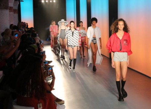 Models on the catwalk during the 2019 summer edition of the 080 Barcelona Fashion Fari (by Andrea Zamorano)
