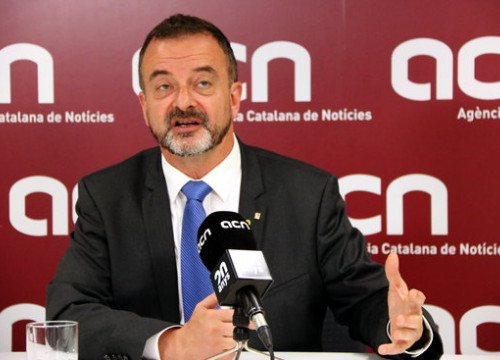 Foreign minister Alfred Bosch during his interview with the Catalan News Agency. (Photo: Nazaret Romero)