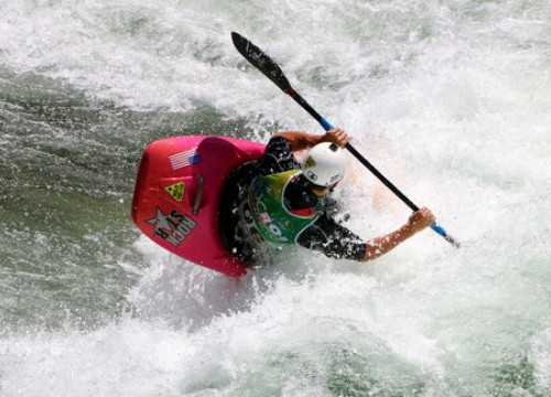 A participant of the ICF Canoe Freestyle World Championships (by Marta Lluvich)