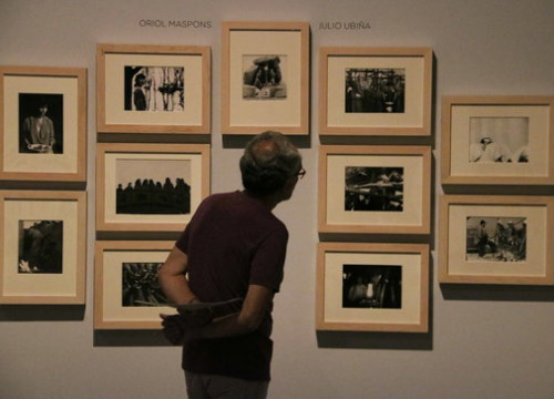 A man walks through the Oriol Maspons exhibition in the National Art Museum of Catalonia. (Photo: Pau Cortina)