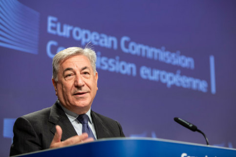 European environment Commissioner Karmenu Vella during the press conference denouncing Spain's air pollution levels. (Photo: European Commission)