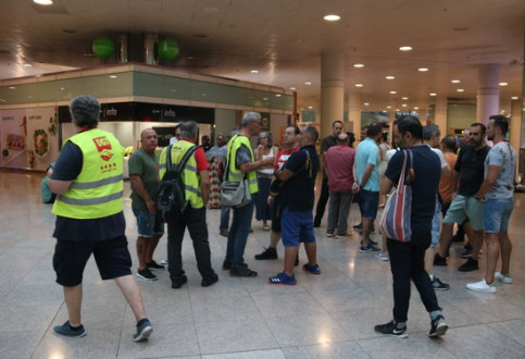 Iberia ground staff of Barcelona airport on strike in July, 2019. (Photo: Pol Solà)