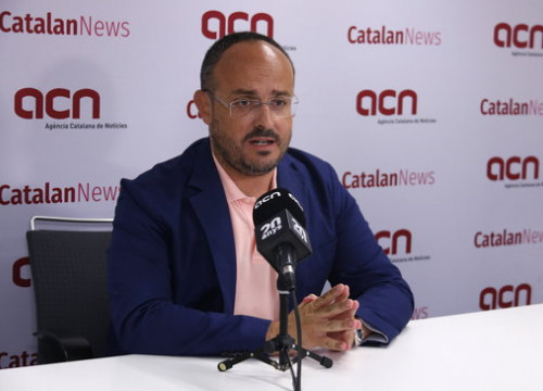 Head of the Catalan People's Party, Alejandro Fernández, in an interview with the Catalan News Agency. (Photo: Gerard Artigas)
