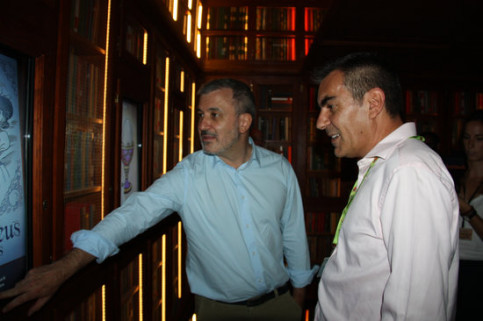 Deputy mayor of Barcelona, Jaume Collboni, with the director of operations at Tibidabo Park, Bruno Querol, at the Tales Castle attraction in the theme park. (Photo: Ariadna Coma / Noèlia Llobera)