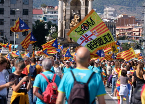 People taking to the streets for the National Day pro-independence rally on September 11, 2019 (by Andreu Puig)