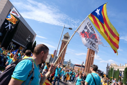 Pro-independence campaigners during the National Day demonstration on September 11, 2019 (by Andreu Puig)