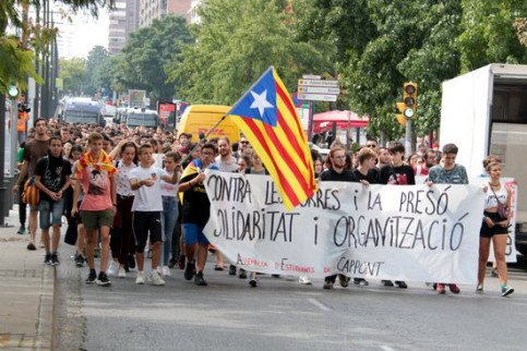 A pro-independence protest held in Lleida on the second anniversary of the independence referendum (by Salvador Miret)