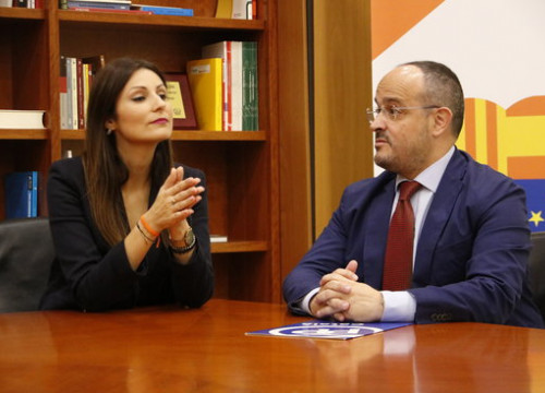 Leaders of Ciutadans and the Catalan People's Party, Lorena Roldán and Alejandro Fernández, at a meeting in October 2019 (by Marta Sierra)