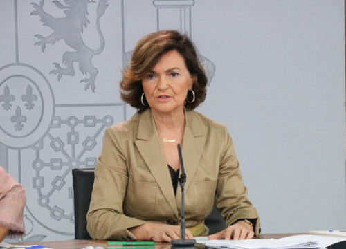 Acting Spanish government spokesperson Carmen Calvo at a press conference after a Spanish cabinet meeting (by Roger Pi de Cabanyes)