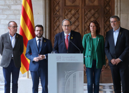 The Catalan president, Quim Torra, during a statement joined by the vice president and three mayors, on October 19, 2019 (by Rubén Moreno)
