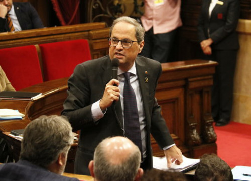 Quim Torra speaks during a Catalan Parliament plenary session (by Gerard Artigas)