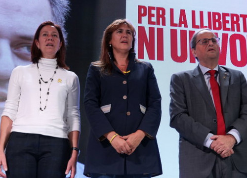 Marta Madrenas, mayor of Girona, Laura Borràs, top of the JxCat candidature list, and Catalan president Quim Torra, during a Junts per Catalunya campaign act (by Aina Martí)