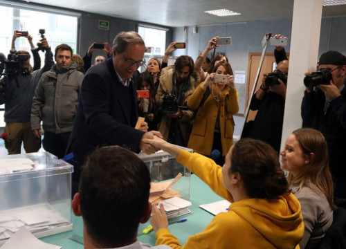 The Catalan president, Quim Torra, voting on November 10, 2019 (by Elisenda Rosanas)