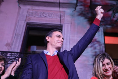 Spain's acting president Pedro Sánchez celebrates the Socialist victory in the November 10 general election (by PSOE)