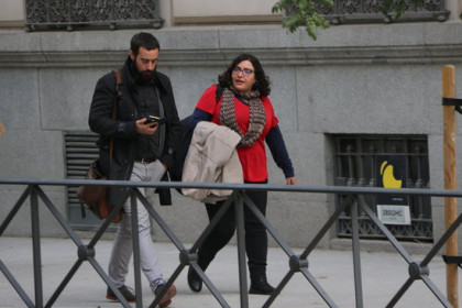 Two lawyers of pro-independence CDR activists in precautionary detention outside Spain's National Court in Madrid, on November 20, 2019 (by Andrea Zamorano)