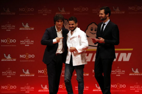 Image of the moment when a new Michelin star was awarded to Angle restaurant, on November 20, 2019