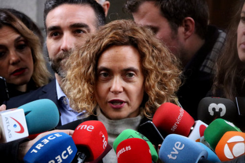 Socialist MP Meritxell Batet, talking to the press on November 26, 2019 (by Roger Pi de Cabanyes)