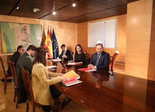 Officials from Esquerra Republicana and the Socialist party meet in Barcelona to discuss the investiture of Pedro Sánchez as president of Spain (by ERC)