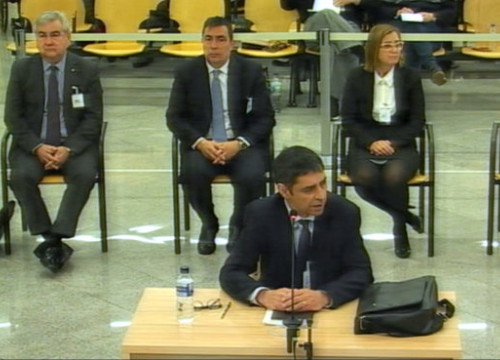Former Catalan police chief Josep Lluís Trapero answers questions in the dock during his trial for rebellion (image courtesy of National Court)