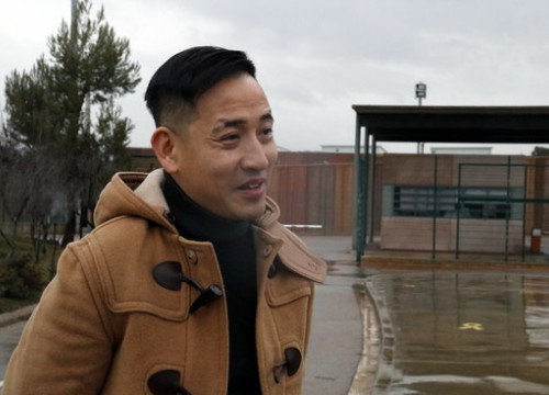 Hongkonger writer, lawyer, and activist Jason Y. Ng outside the Lledoners prison after meeting with jailed Òmnium Cultral president Jordi Cuixart (by Gemma Aleman)