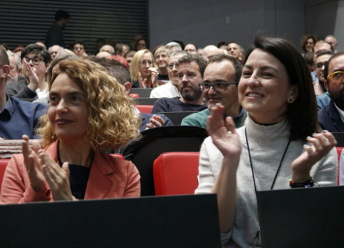 Spanish congress speaker Meritxell Batet and Catalan Socialists first deputy secretary Eva Granados during the party event in Barcelona on February 1, 2020 (by Guillem Roset)