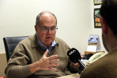 Dr. Antoni Trilla, a world expert on epidemics, speaks in an interview with the Catalan News Agency (by Laura Fíguls)