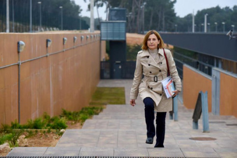 Jailed pro-independence leader Carme Forcadell leaves prison after being granted permission to take care of her mother (by Twitter Carme Forcadell)