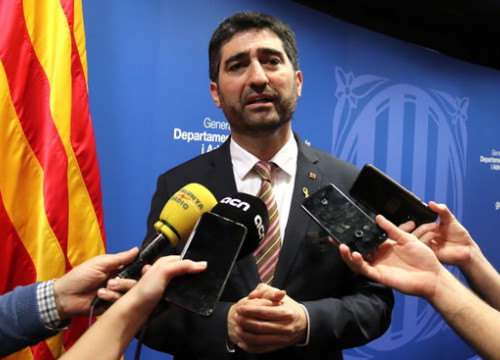 Digital minister Jordi Puigneró addresses the media, February 17, 2020 (by Aina Martí)