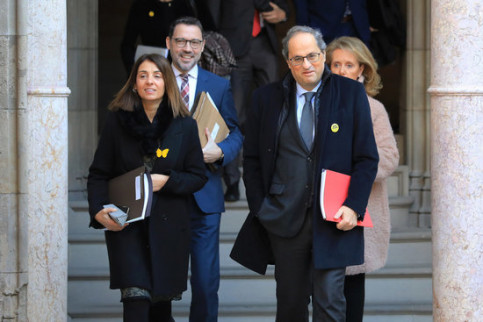 Catalan president Quim Torra with ministers Meritxell Budó and Mariàngela Vilallonga before the weekly cabinet meeting, February 18, 2020 (by Bernat Vilaró)