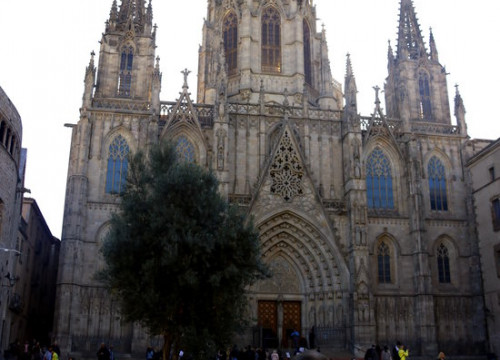 Overview of the facade of the Cathedral of Barcelona. Tuesday, February 18, 2020 (By: Pau Cortina)